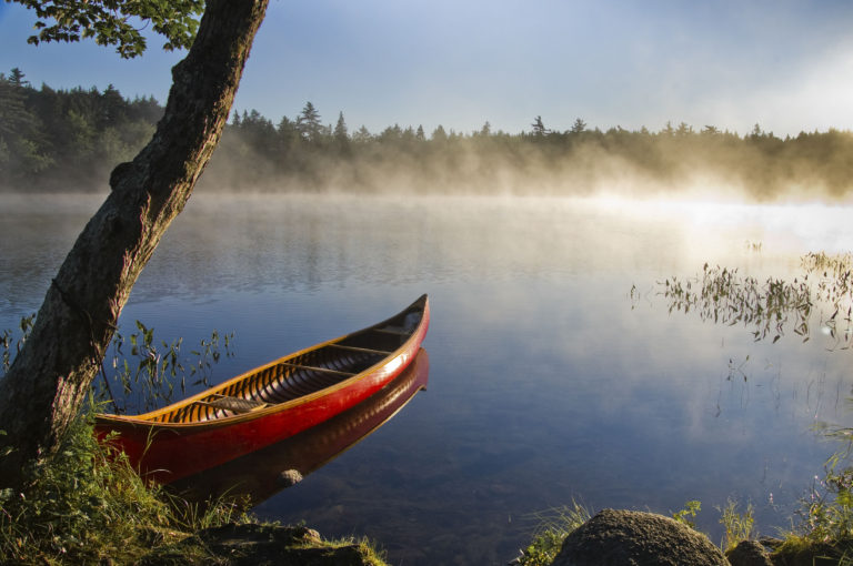 Canoe guided tour—on lakes and rivers